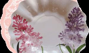 blonda rosa con plato flor de lila