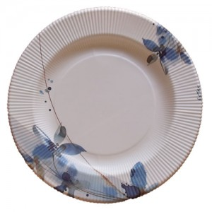 Plato de flores azules