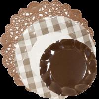blonda marrón-con-plato-cuadros-vichy-y-plato-marrón-DeFiestaEnCasa