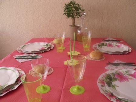 Combinación oriental con platos hibisco