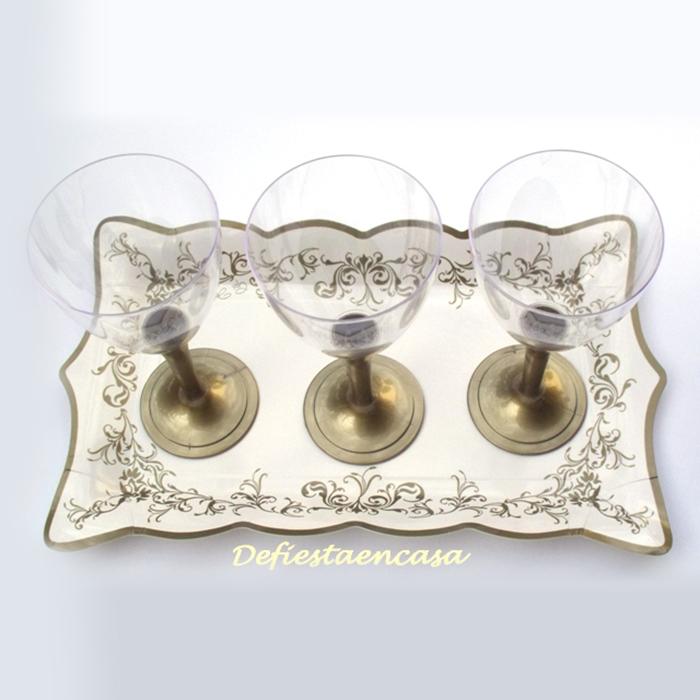 Presentación con copa de vino con pie en dorado - DeFiestaEnCasa