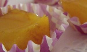 Presentación de mini cápsula de rayas lila - DeFiestaEnCasa