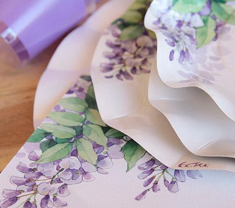 plato flores lilas-DeFiestaEnCasa